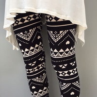 Going Out in Black & White Tribal Print Leggings