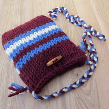 Chunky wool knit shoulder bag,vintage style,retro,80's sweaters style,burgundy,blue,cream,christmas gift idea,christmas finds,wooden button