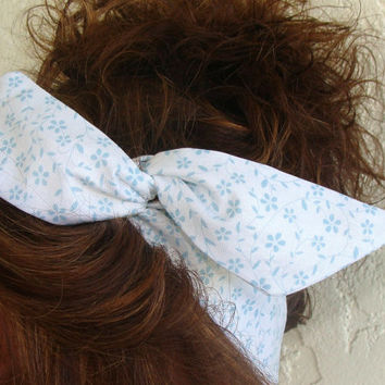 Dolly Bow Baby Blue Flowers on White 50s Hair Style Flexible Wire Headband Teen Girl Woman