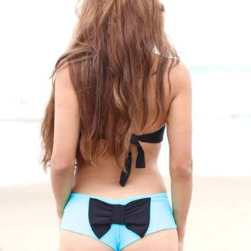The Girl and The Water - lolli swim bow bottom turquoise