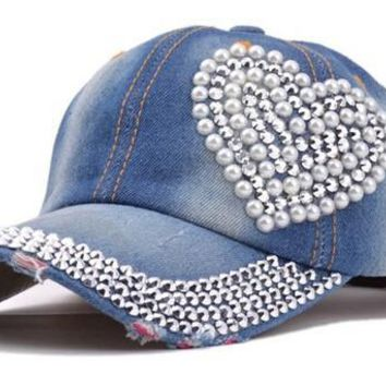 2017 new women post heart-shaped diamond pearl new cowboy do old torn jeans duck tongue baseball cap Summer rhinestones cap hats
