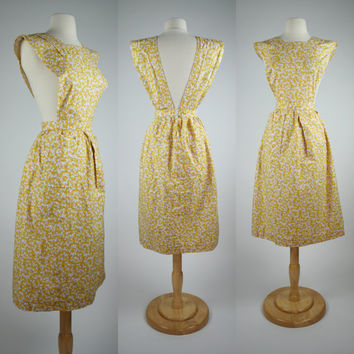 Yellow pinafore apron made from 1950's vintage pattern long floral print big front pockets dress style apron A line skirt Size Large 10