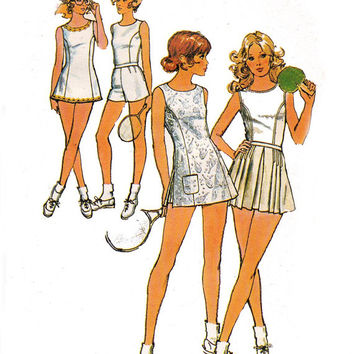 Womens Tennis Dress Blouse Shorts & Skirt 1970s Vintage sewing pattern Simplicity 9755 Size 10 Bust 32 1/2