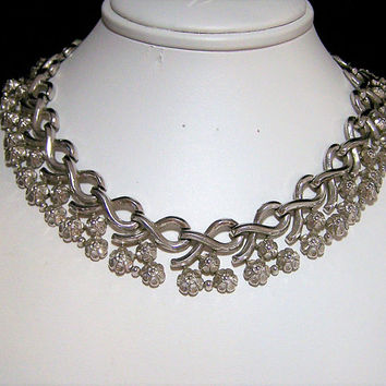 Crown Trifari Floral Collar Necklace, Silver Tone Links, Pre 1956 Era, Mid Century Jewelry 1117