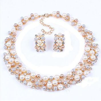 Elegant Rose Gold Plated Faux Pearl Crystal Inlay Collar Necklace and Earrings Set
