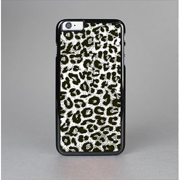 The Neutral Cheetah Print Vector V3 Skin-Sert Case for the Apple iPhone 6