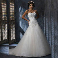 2017 Strapless A Line Tulle Wedding Dresses Tulle Bride Gown With Lace Applique Beaded Sequin Wedding Gown vestidos de novia