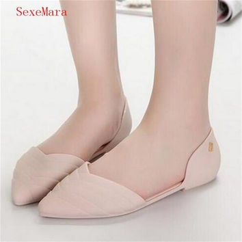 SexeMara Summer women melissa flat pointed closed toe sandals jelly plastic hollow out frosted large size designer sandals