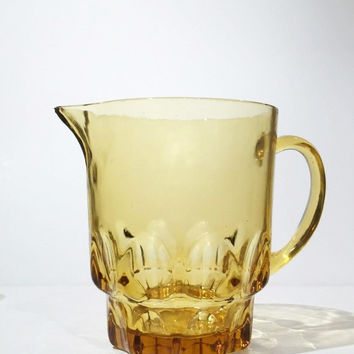 Amber Glass Pitcher with Set of 5 Glasses, Hazel Atlas Amber Glass Pitcher and Set of Amber Glasses, 1950s Beer Pitcher and Glasses Set