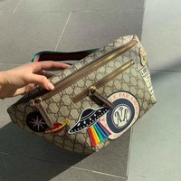 shosouvenir Gucci Courrier GG Supreme belt bag