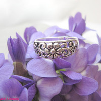 vintage, sterling silver ring, 925 sterling silver, floral ring, flower ring, silver ring, sterling silver, silver band, silver stack ring