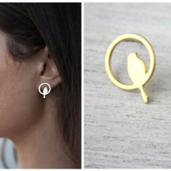 $28.00 Bird In a Nest Post Earrings in Gold by shlomitofir on Etsy