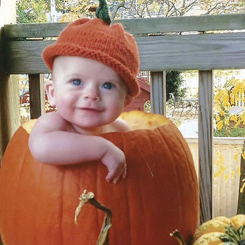 Knit baby pumpkin hat Baby's first Halloween Autumn baby hat Orange hat for fall Unique shower gift Photo prop Unisex baby hat Baby knits