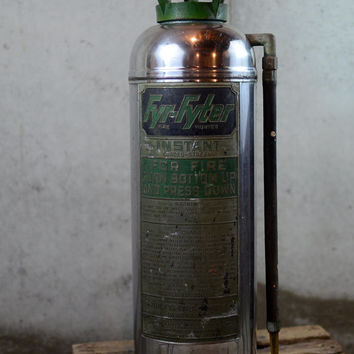 Vintage Fire Extinguisher, Silver and Green Fyr-Fyter, Large Size 2.5 Gallon, Underwriters Labortories