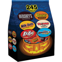 Walmart: Hershey's Halloween Trunk or Treat Bag, 92.7 oz, 245 count
