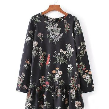 Streetstyle  Casual Round Neck Ruffle Trim Floral Printed Long Sleeve Romper