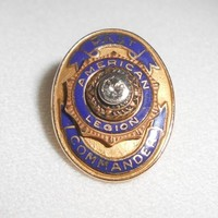 American Legion Pin 14K Gold Past Commander Lapel Pin Diamond Center