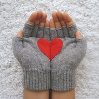 Handful of Heart Fingerless Grey Gloves with Red Felt by yastikizi