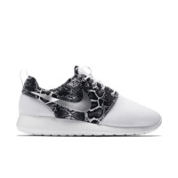 Nike Roshe One Print Women's Shoe