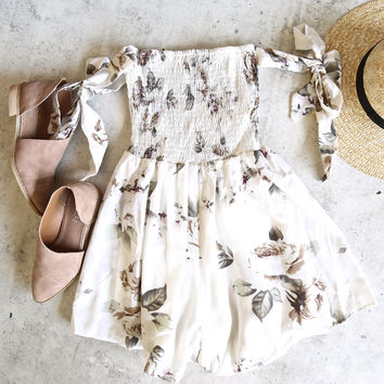 reverse - pretty little thing romper - white rose print