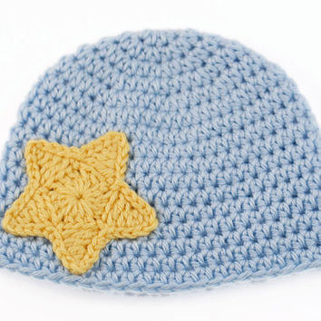 Crochet Baby Hat // Baby Blue with Yellow Star Applique // 3 to 6 Months