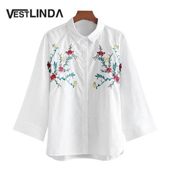 VESTLINDA Blouses 2017 Casual White Shirt Cotton Polo Shirt Collar Bluas Autumn Floral Embroidered Batwing Loose Shirt Femme