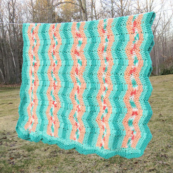 Teal green peach white crochet afghan throw blanket in zig zag pattern - Vintage crochet throw lap blanket 70 x 40 in