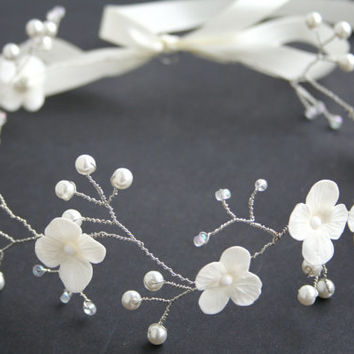 Wedding flower crown, Bridal flower crown, Wedding crown, Bridal crown, White crown, Bridal Headpiece, Wedding tiara, Flower, Floral crown