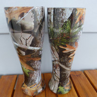 Wedding table Pilsner beer glasses hydrodipped in vista camo