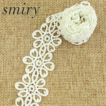 Smiry New High Quality 3 Yards 6 cm Off-white Costume Decoration Trimming Embroidery Sew DIY Craft Lace Trim for Wedding Party