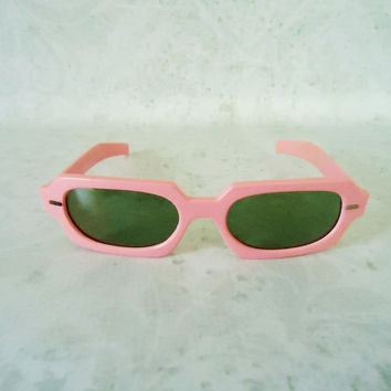 Vintage Mad Men Pink Plastic Cool Ray Polaroid Sunglasses 1960s