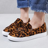 Popular casual women's flat shoes round head and shallow mouth fashion leopard print flat shoes