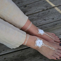 Nude and White crochet barefoot sandals, Handmade, Bare foot 3D flower jewelry, Beach shoes, Floral garden wedding, Boho Anklet