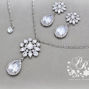 Wedding Necklace Clear Crystal Rhinestone necklace wedding jewelry Wedding accessories Bridal Necklace Daisy
