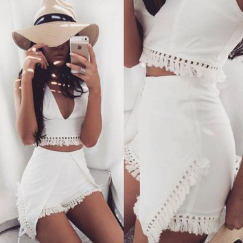 863861298698 White solid color sleeveless V-neck fringed piece jumpsuit