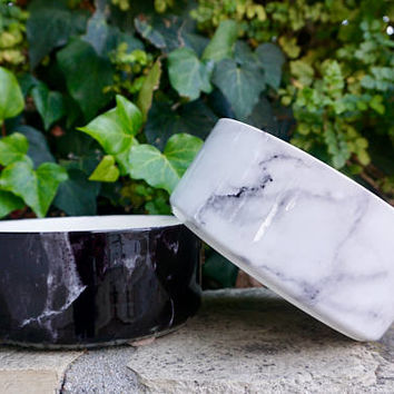Ceramic Dog Bowl in White Marble // Modern Food & Water Dish for Pets // Cute, No-Spill Pet Dishes // Hip Gifts for Dog Lovers