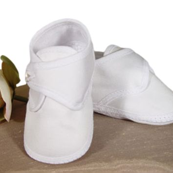 Baby Boys White Cotton Sateen Shoe w. Button Closure 0-9m