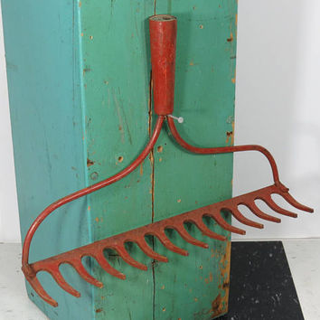 Vintage Bowhead Garden Rake Head . Brick Red . Rustic Wine Glass Holder . Kitchen Utensil or Gardening Tool Hooks . 14 Tines