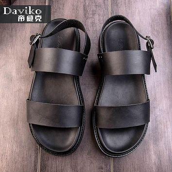 Summer sandals male leather Korean version of the beach shoes exposed toe young men thick British pop romance sandals RL280