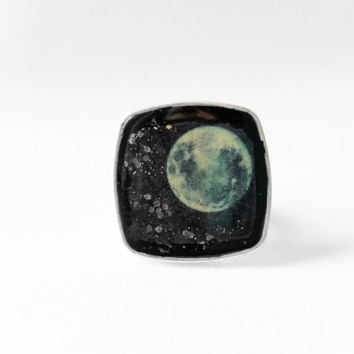 Full Moon Ring, Moon Ring, Outer Space Ring, Celestial Ring, Glow in the Dark Ring, Night Sky Ring, Wolf Moon Ring, Werewolf Ring, Space