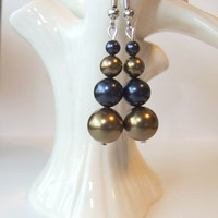 Notre Dame University Navy Midshipmen St. Louis Rams Football Blue Gold Graduated Swarovski Crystal Pearl Dangle Earrings