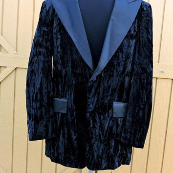 Vintage 1950s velvet smoking jacket / size L / 41 L / 50s  mens black velvet tuxedo coat / black velvet / satin tux blazer / AWU label USA