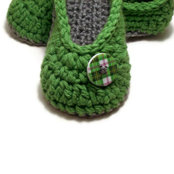 Womens Slippers , Ladies Slippers , House Shoes , Crochet Slippers ,Winter Accessory , Your Size