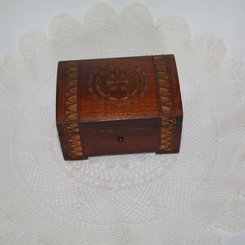 Vintage Small Wooden Jewelry Box, Ornament wood box, Trinket Box, Hand made Treasury box hand carved box Soviet Decor Polish box 80's Boho
