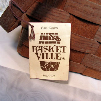 Picnic Basket by Basketville in Putney, Vermont