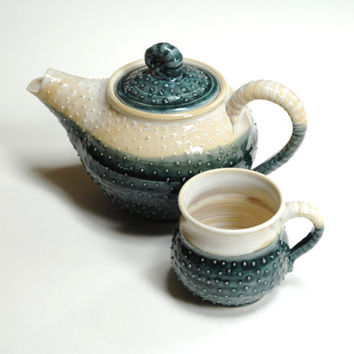 Pottery teapot set,polka dot teapot,teal pottery set,Turquoise tea set,Two ceramic mugs,Canadian pottery,Stoneware teapot,Teal clay teapot
