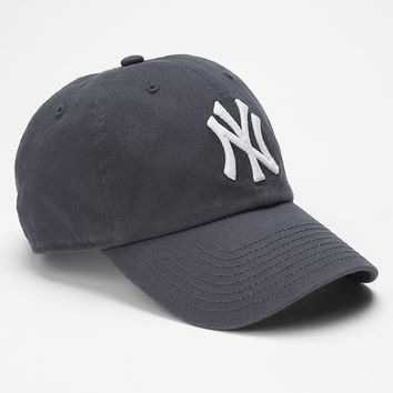 Gap Men NY Yankees Baseball Hat Size One Size - Navy