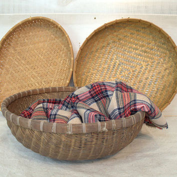 Primitive Woven Wicker Winnowing Basket, Large Rustic Wicker Storage Basket