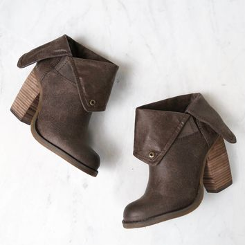 sbicca - chord fold-over boots - taupe