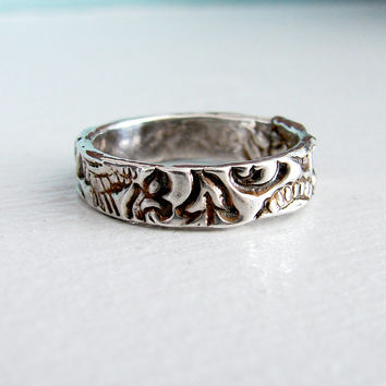 Romantic Silver Paisley Wedding Ring